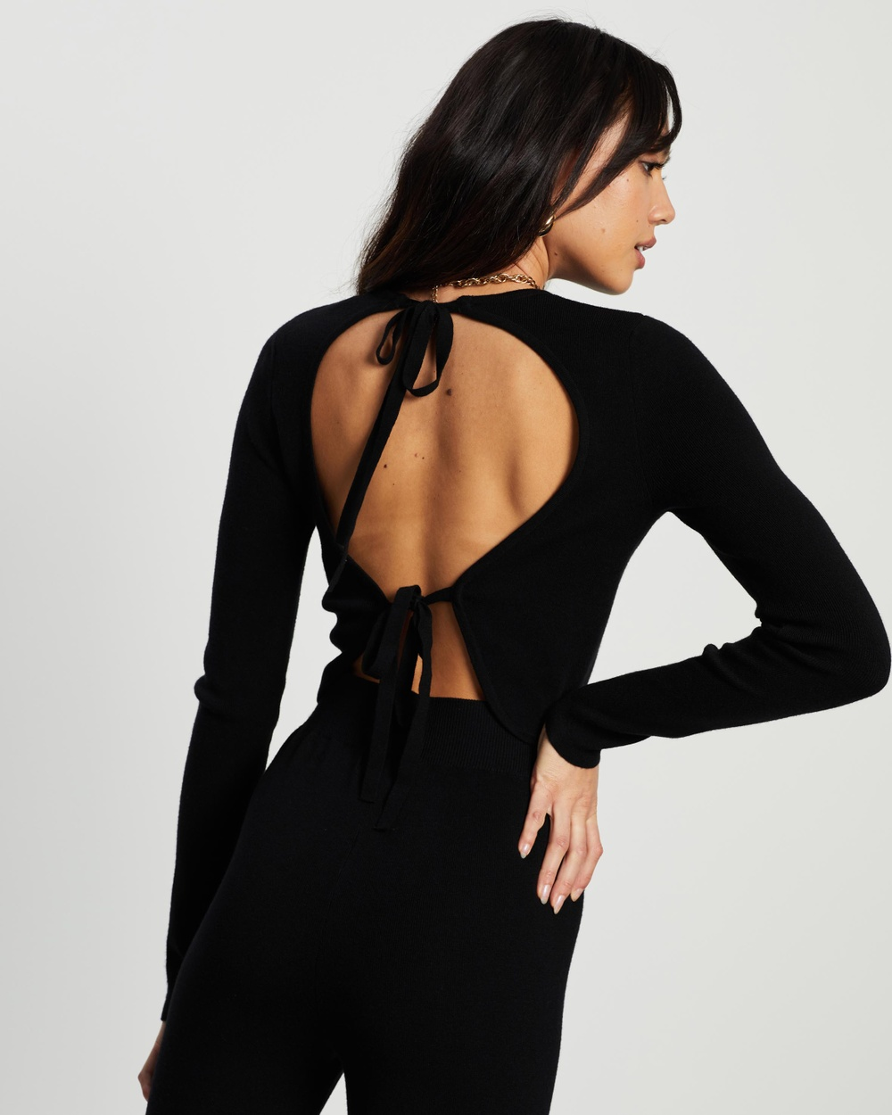 4th & Reckless Leah Knit Tie Back Top Cropped tops Black