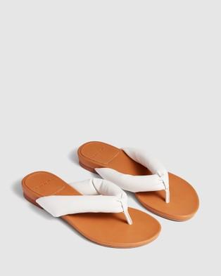 cherrichella Breeze Sandals All thongs White