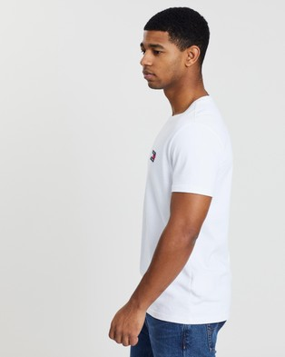 Tommy Jeans Badge Tee - T-Shirts & Singlets (Classic White)