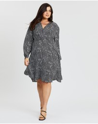 Atmos&Here Curvy - Tally Cross Front Dress