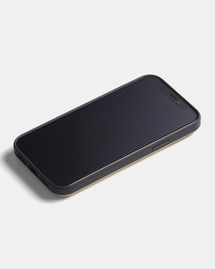 Bellroy Phone Case   3 card iPhone 12   iPhone 12 Pro - Tech Accessories (yellow)