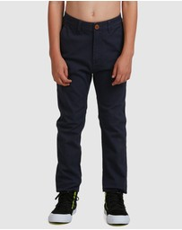 Quiksilver - Boys 8-16 Krandy Slim Fit Chino Pant