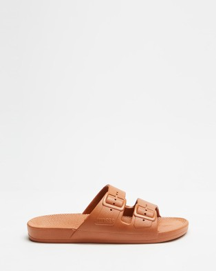Freedom Moses Slides   Unisex - Casual Shoes (Toffee)