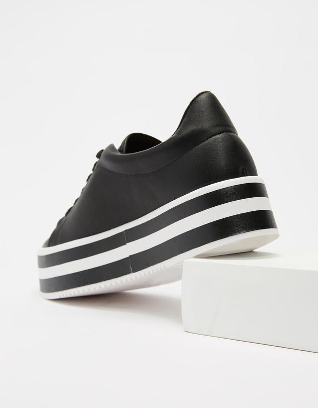 Women Delilah Sneakers