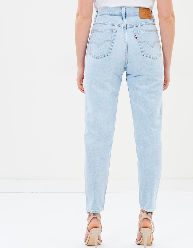 3fbf88dc8c5879 Mom Jeans by Levi's Online | THE ICONIC | Australia