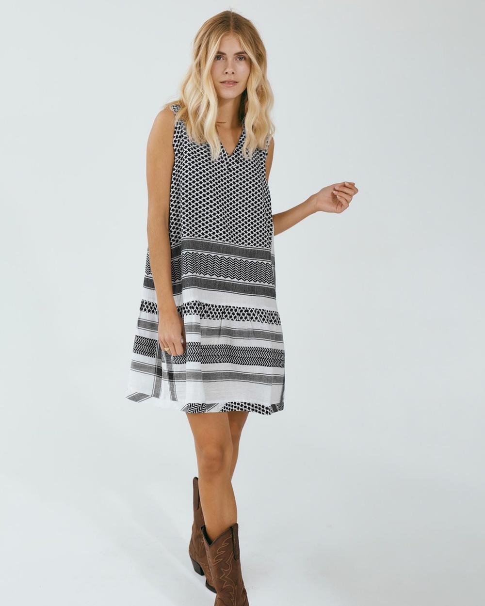 Cecilie Copenhagen - Dress 2, V, No Sleeves Dresses (Black & White)