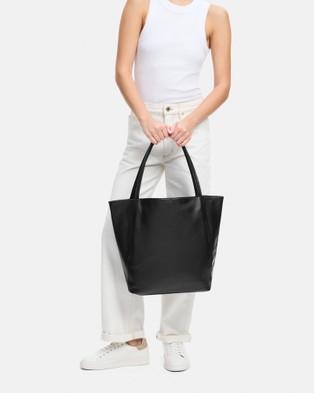 BEE Kirkby - Handbags (Black)