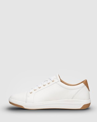 Ascent Stratus - Casual Shoes (White)