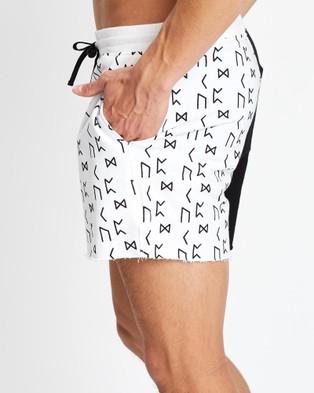 Merlino Street Rune Shorts - Shorts (White)