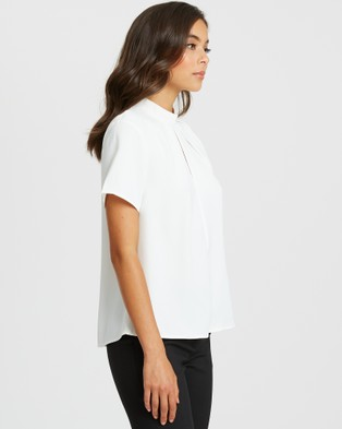 Willa Alexandra Tuck Neck Top - Tops (White)