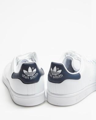 adidas Originals Stan Smith Vegan   Unisex - Lifestyle Sneakers (Footwear White, Footwear White & Collegiate Navy)