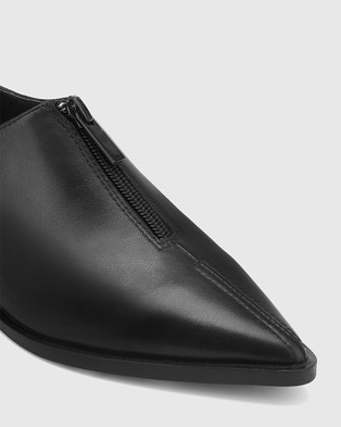 Wittner Marthur Leather Pointed Toe Flats - Flats (Black)