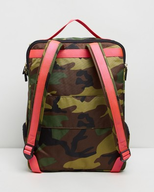 ANDI New York The ANDI Backpack - Outdoors (Camo Pop Pink)