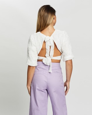 Glamorous Open Back Textured Top - Cropped tops (White)
