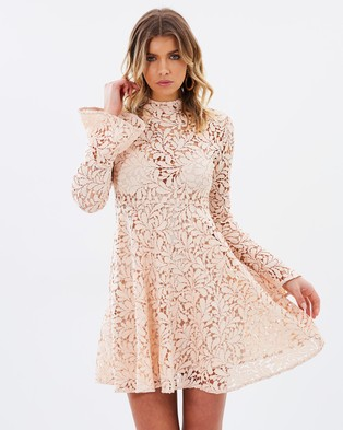 Airlie – Bella Bell Sleeve Dress Blush