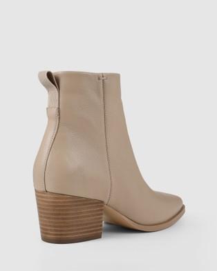 Siren Pushy - Boots (Camel)