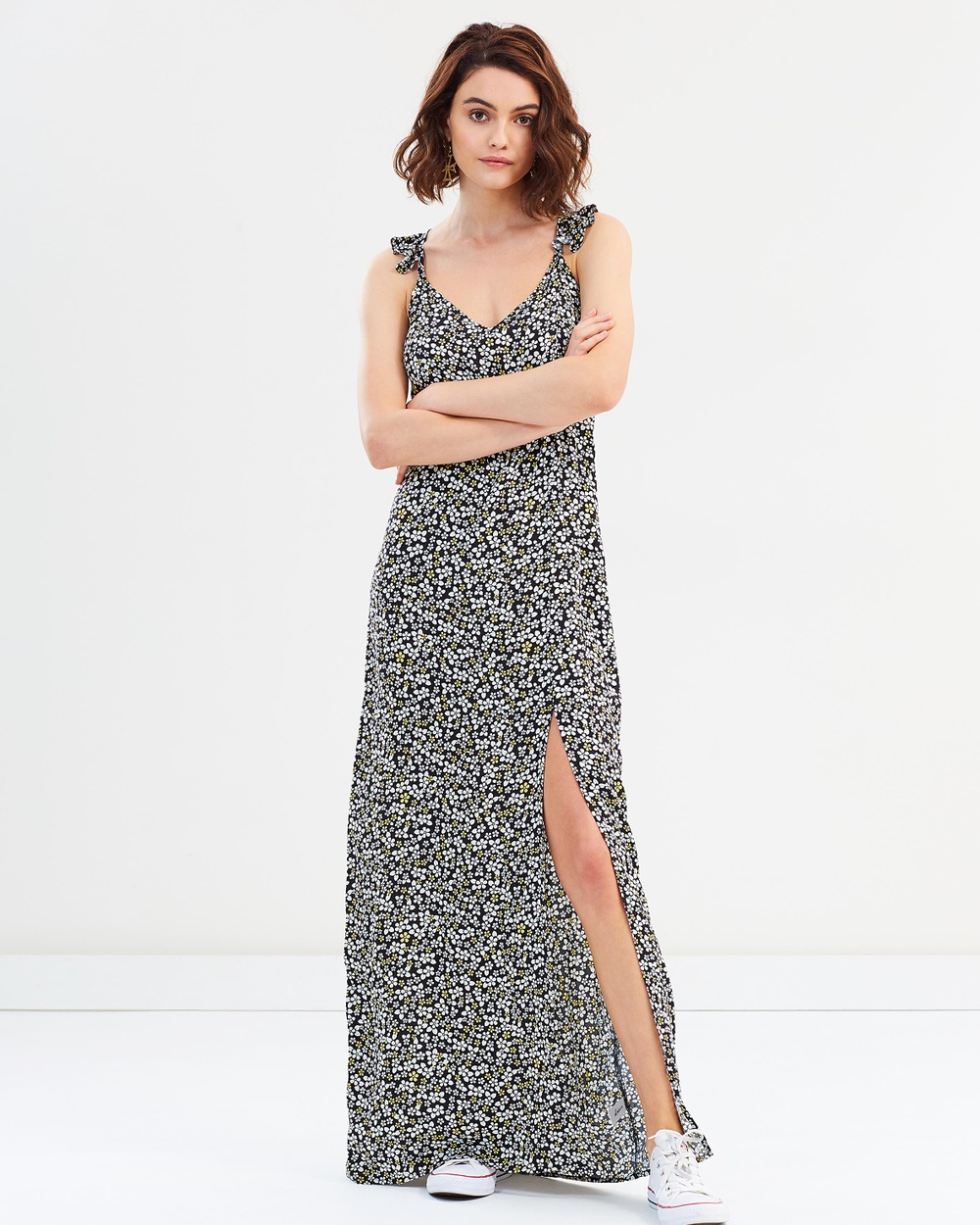 Dazie Daring Daisy Split Maxi Dress Printed Dresses Black Base Floral Daring Daisy Split Maxi Dress