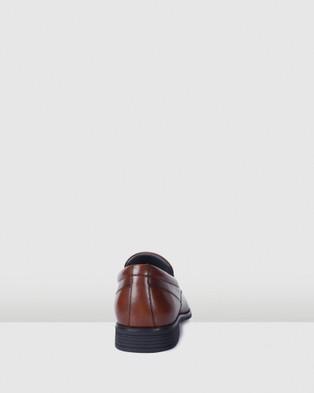 Julius Marlow Masked - Dress Shoes (Chestnut)