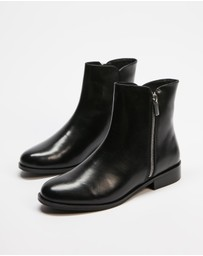 Atmos&Here - Tess Leather Ankle Boots