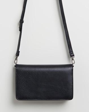 MATT & NAT Dwell Bee Cross Body Bag - Clutches (Black)