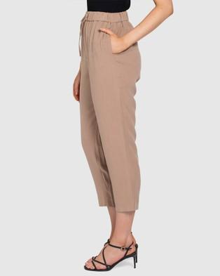 Forever New Sam Elastic Waist Relaxed Pants - Pants (Camel)