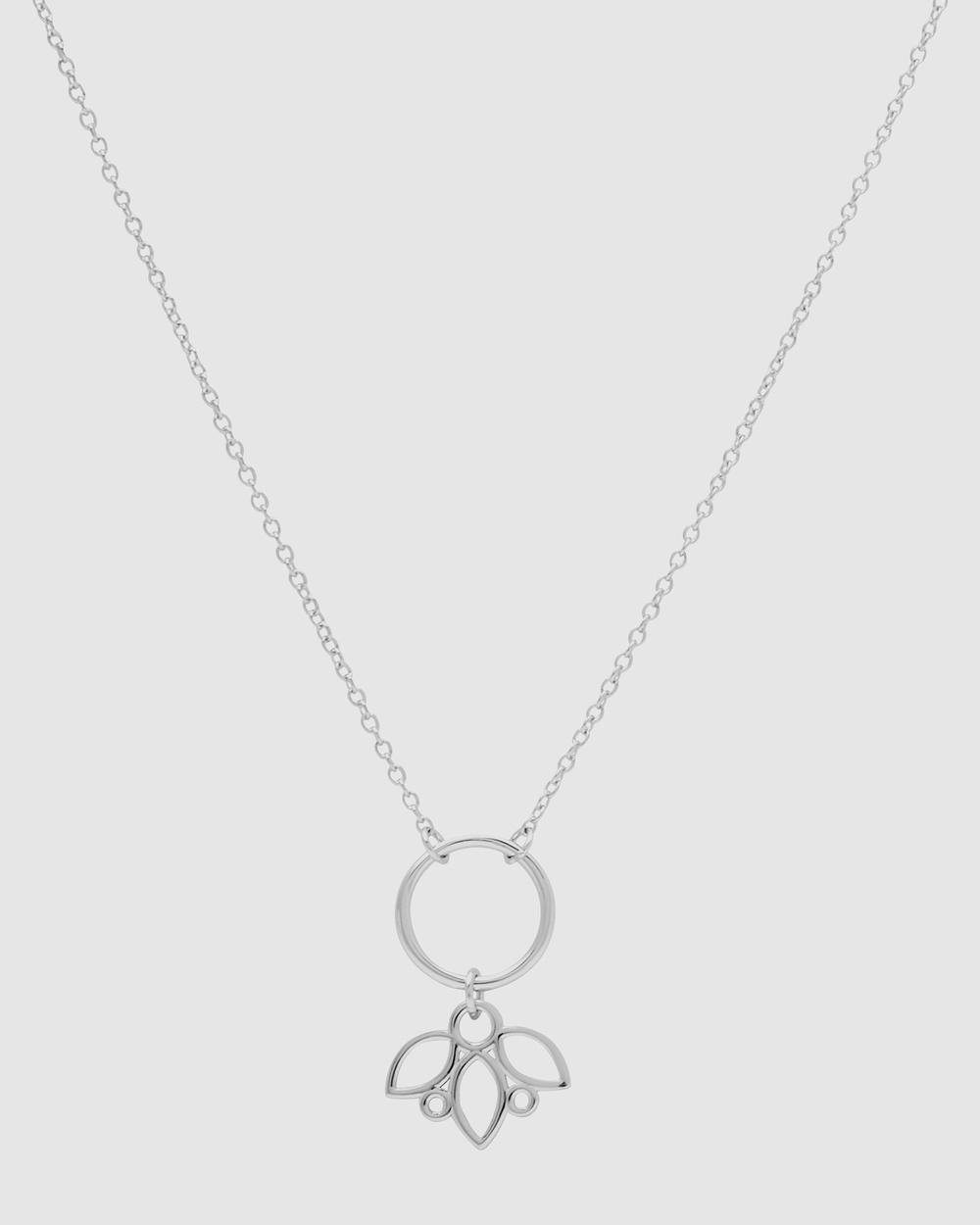 Pastiche Posy Necklace Jewellery Silver
