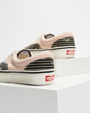 Vans Era 95 DX   Unisex - Sneakers (OG Stripes, OG Black & OG Pink)