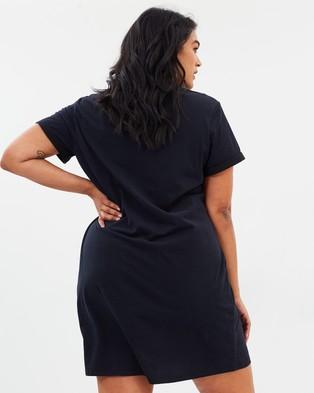 Atmos&Here Curvy Essential T Shirt Dress Dresses Black T-Shirt