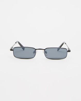 KENDALL + KYLIE Lancer - Sunglasses (Satin Black)