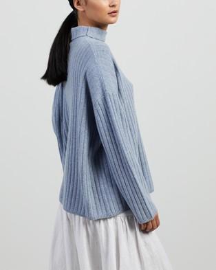 Apartment Clothing Ulli Ribbed Turtleneck Knit - Jumpers & Cardigans (Blue)