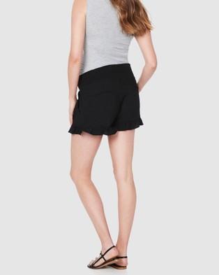 Soon Maternity Marnie Frill Shorts - Shorts (BLACK)