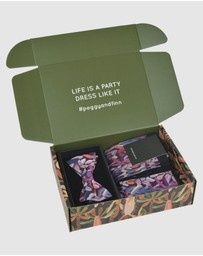 Peggy and Finn - Protea Bow Tie Gift Box