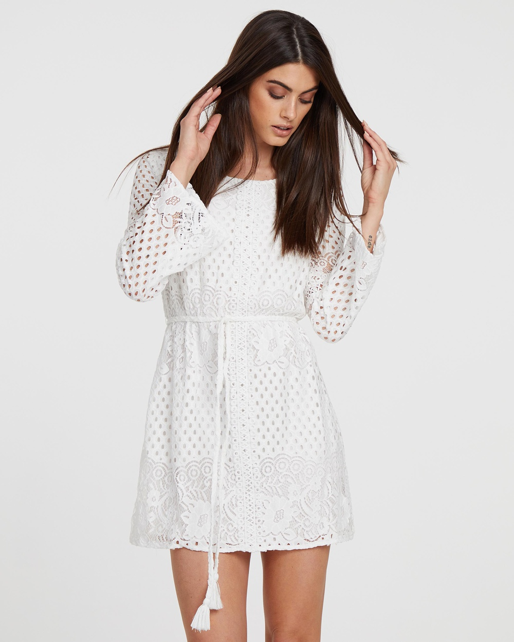 Atmos & Here White ICONIC EXCLUSIVE – Lilly Lace Dress