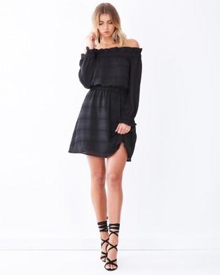 Tussah – Milton Off Shoulder Dress – Dresses (Black)