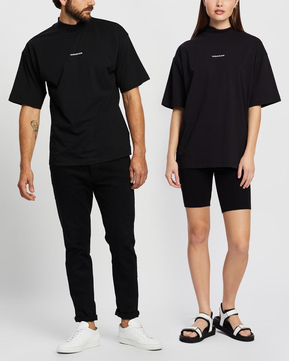 Calvin Klein Jeans - Micro Branding Mock Neck   Unisex - T-Shirts & Singlets (CK Black) Micro Branding Mock Neck - Unisex