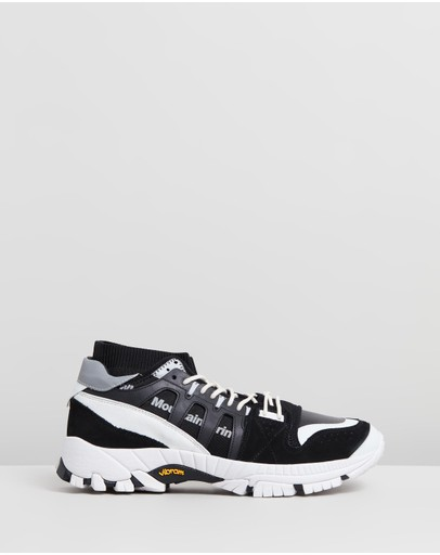 White Mountaineering - Contrasted Vibram Sole Knitted Sneakers
