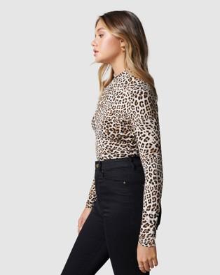 Forever New - Samera Skivvy Neck long Sleeve - T-Shirts & Singlets (Caramel Leopard) Samera Skivvy Neck long Sleeve