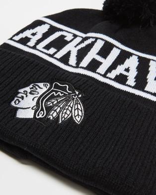 Majestic NHL Team Wordmark Bobble Beanie - Headwear (Blackhawks Black)