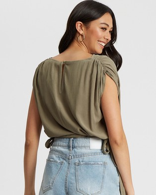 The Fated Soraya Blouse - Cropped tops (Sage Green)