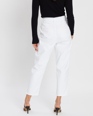 Levi's Pleated Balloon Jeans - Crop (White Fine Twill)