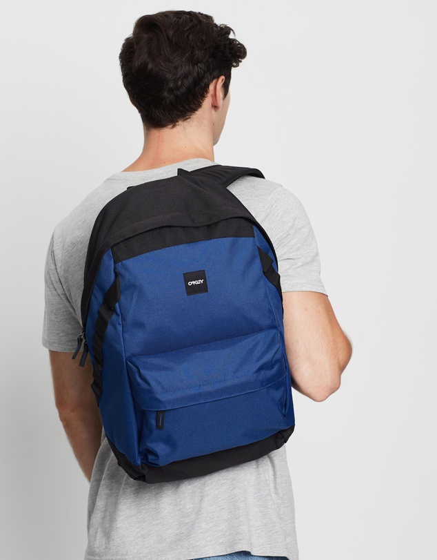 Oakley - Holbrook 20L Backpack