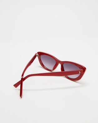 KENDALL + KYLIE Alessia - Sunglasses (Shiny Opaque Red)