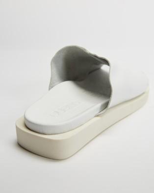 Bueno Jesse - Sandals (White)