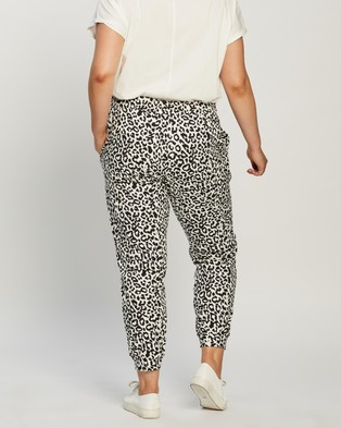 Atmos&Here Curvy Pixie Relaxed Lounge Sweat Pants Sweatpants Black & White Animal