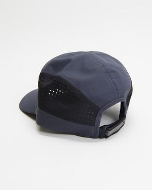 2XU - Light Speed Cap - Headwear (Turbulence & Black) Light Speed Cap