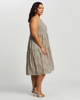 Atmos&Here Curvy - Lisa Tiered Animal Midi Dress - Printed Dresses (Animal) Lisa Tiered Animal Midi Dress