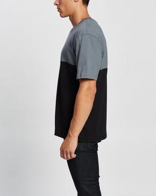 adidas Originals Adicolor Sliced Trefoil Boxy Tee - Short Sleeve T-Shirts (Black & Blue Oxide)