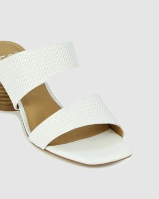 Eos Peta Sandals White