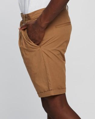 AERE Poplin Pleat Shorts - Chino Shorts (Tobacco)
