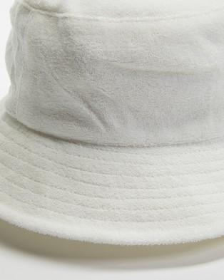 Avenue Lenny Bucket Hat - Hats (White)